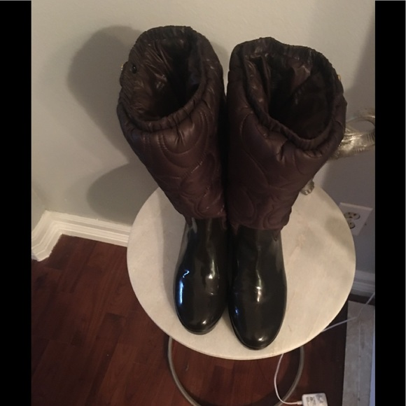 Coach boots like new